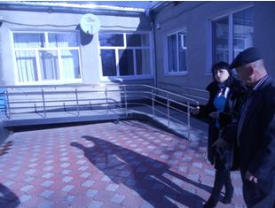Сотрудники Аппарата Уполномоченного по правам человека в КЧР посетили РГУ «Специальный дом-интернат для престарелых и инвалидов» в станице Кардоникской