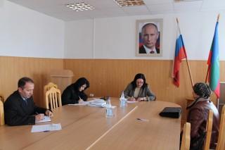 18 ноября 2015 года в  Адыге-Хабльском муниципальном районе Уполномоченным по правам человека в Карачаево-Черкесской Республике проведен личный выездной прием граждан.